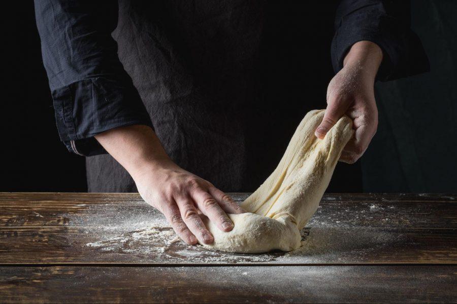水餃皮做法:搓揉麵團